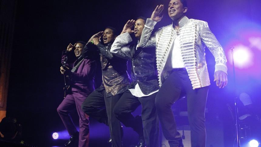 The Jacksons inntar Spektrum